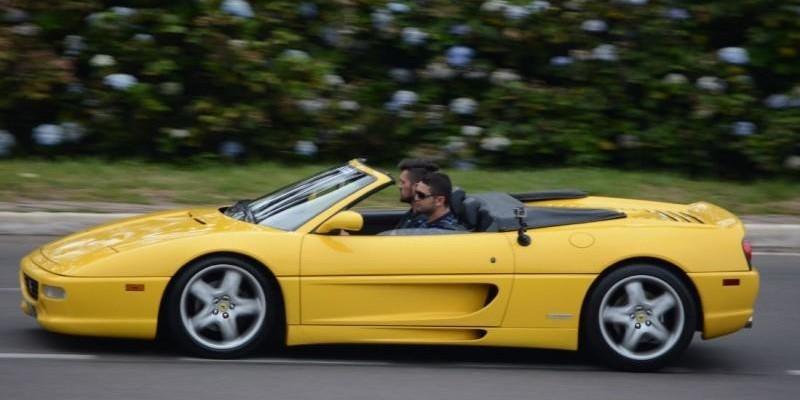 Drive de Ferrari F355 Super Carros
